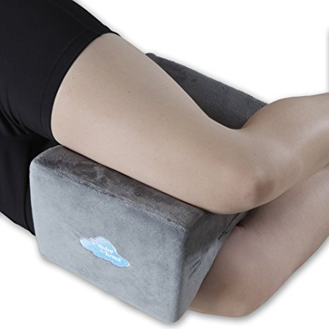 06. Cushy Cloud Memory Foam Knee Pillow