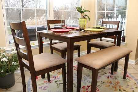 5 Pc inning Dinnete Table Chairs and a Bench Set