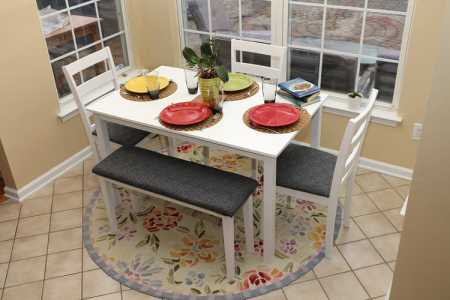 5 Pc Dining Dnnette Table Chairs and a Bench Set